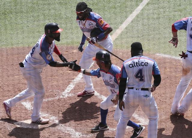 Toros de República Dominicana ganan viniendo de atrás y avanzan a semifinal