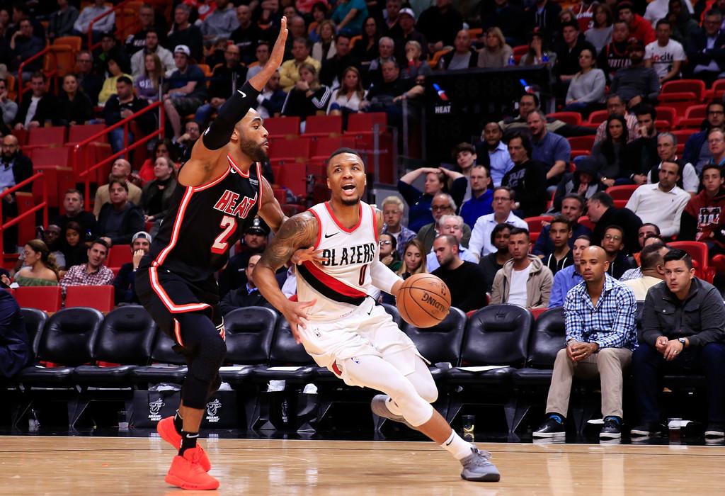 Blazers derrotan a Heat y amargan debut de Iguodala