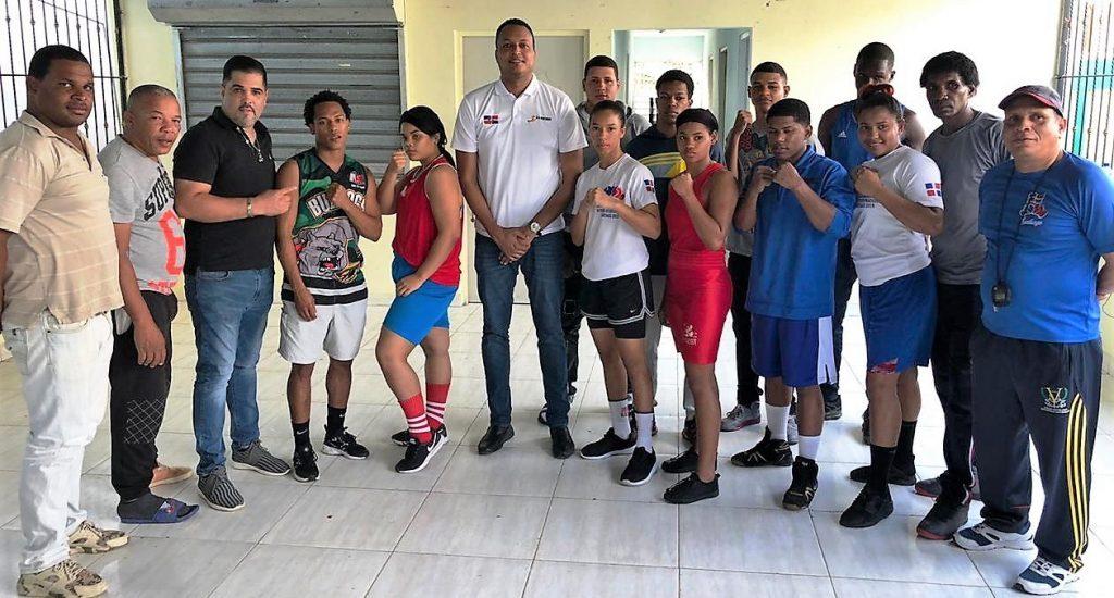 Definen equipos de Santiago para copa Independencia de boxeo