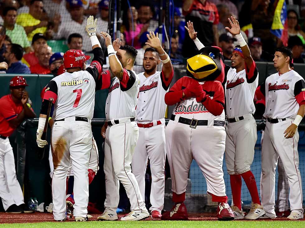 Cardenales de Lara vencen a Tomateros y avanzan a la final de la Serie del Caribe