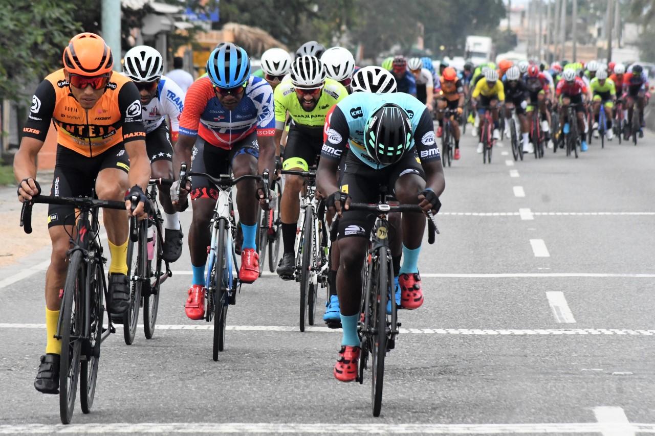 Joel García logra la tercera etapa de la Vuelta Ciclista Independencia