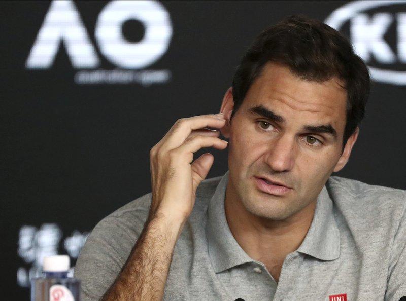 Federer se opera la rodilla y se perderá el Roland Garros