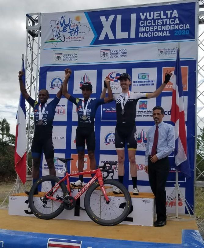 Ismael Sánchez conquista la primera etapa Vuelta Ciclista
