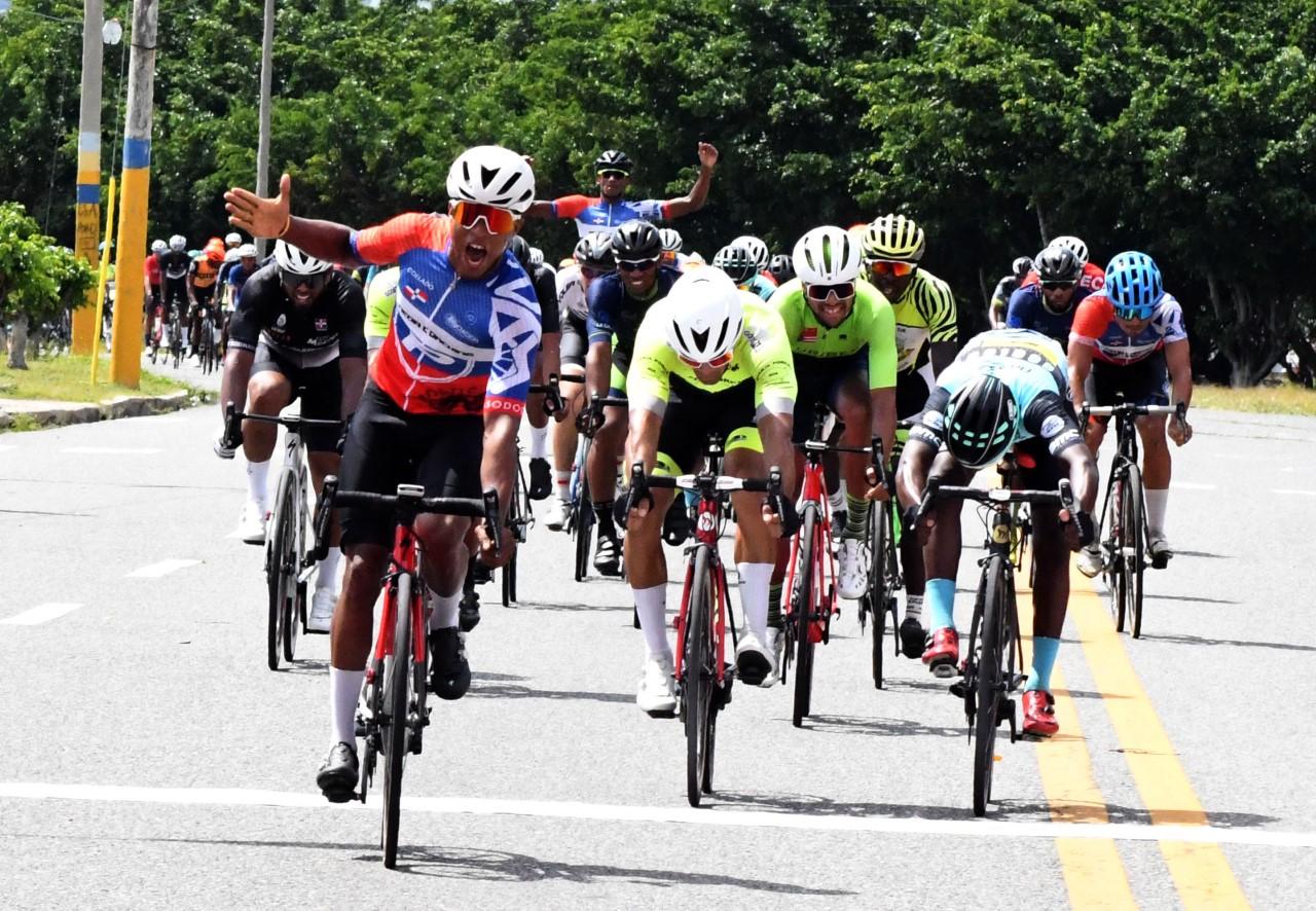 César Marte obtiene la segunda etapa de la Vuelta Ciclística