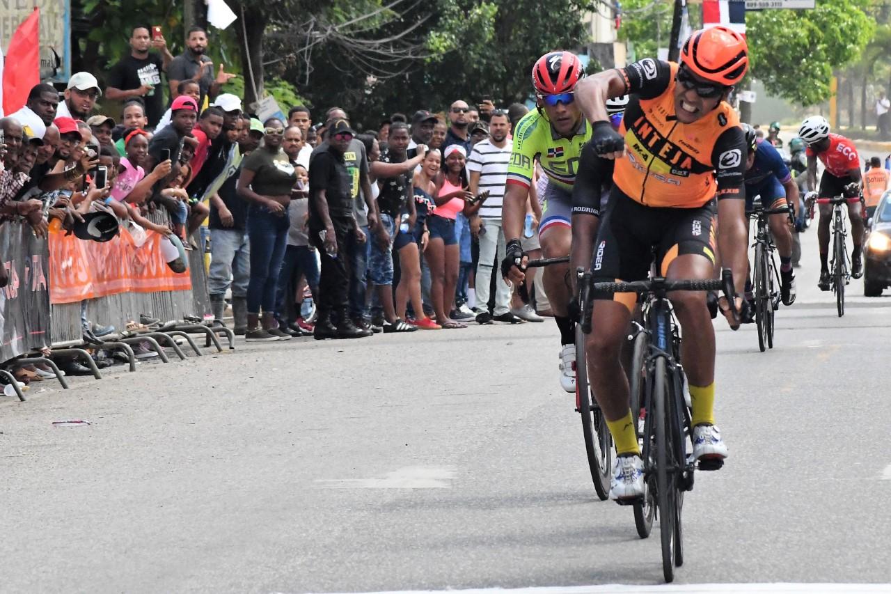 Joel García hace historia al ganar su segunda etapa seguida en Vuelta