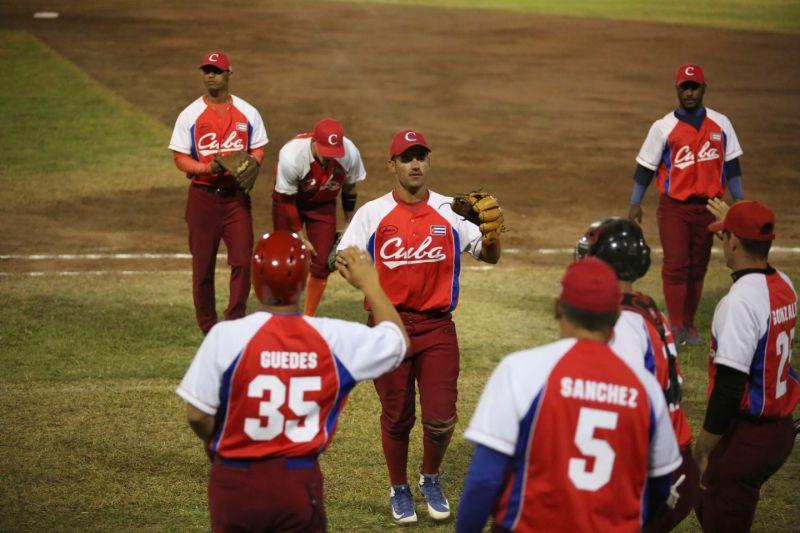 Cuba noquea a Honduras 13-1 en cierre del grupo B en Panamericano de Béisbol