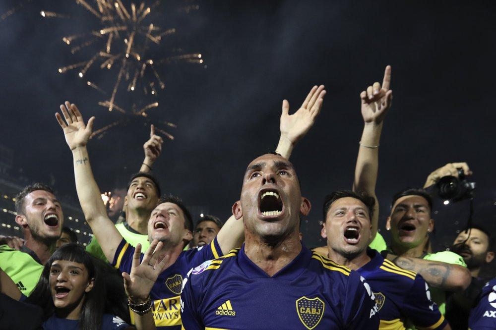 Argentina pone fin a temporada de fútbol por coronavirus
