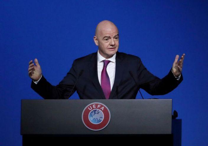 Infantino dice FIFA tiene misión de hacer que el fútbol sobreviva COVID
