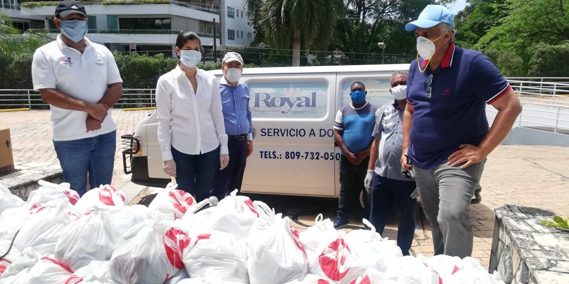 Realizan donativo de alimentos a clubes deportivos de la capital