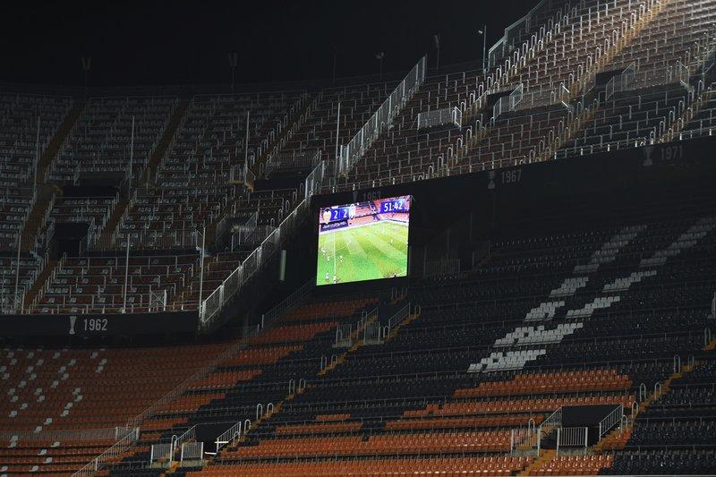UEFA contempla final de 'Champions' en agosto