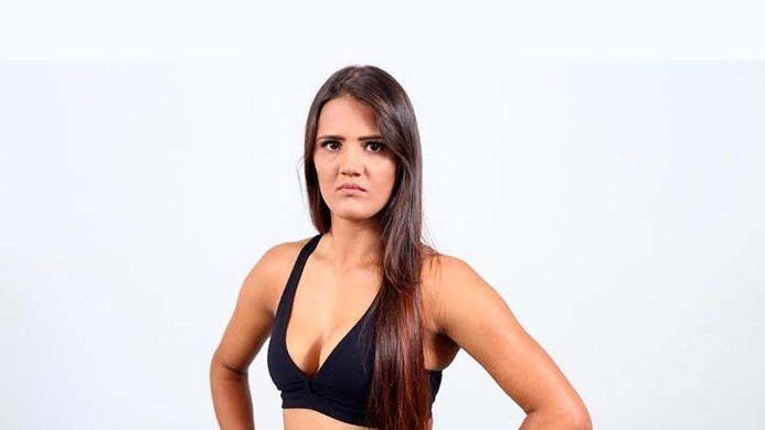 Peleadora de MMA sometió a acosador en Brasil