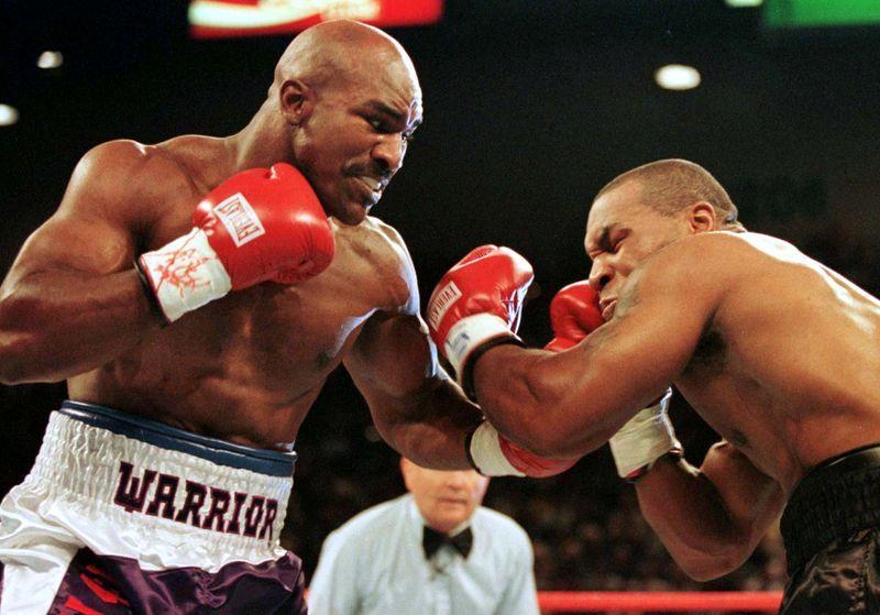 Holyfield se entrena, alimenta especulaciones de pelea con Tyson