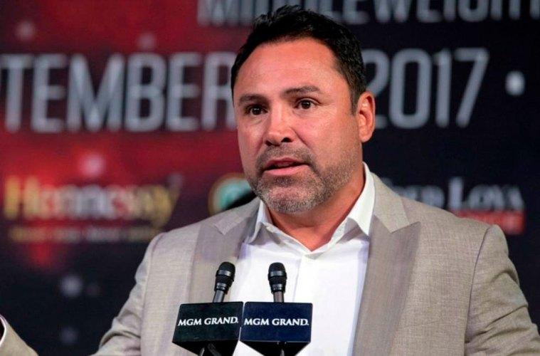 De la Hoya dice que McGregor no le dura más de dos rounds