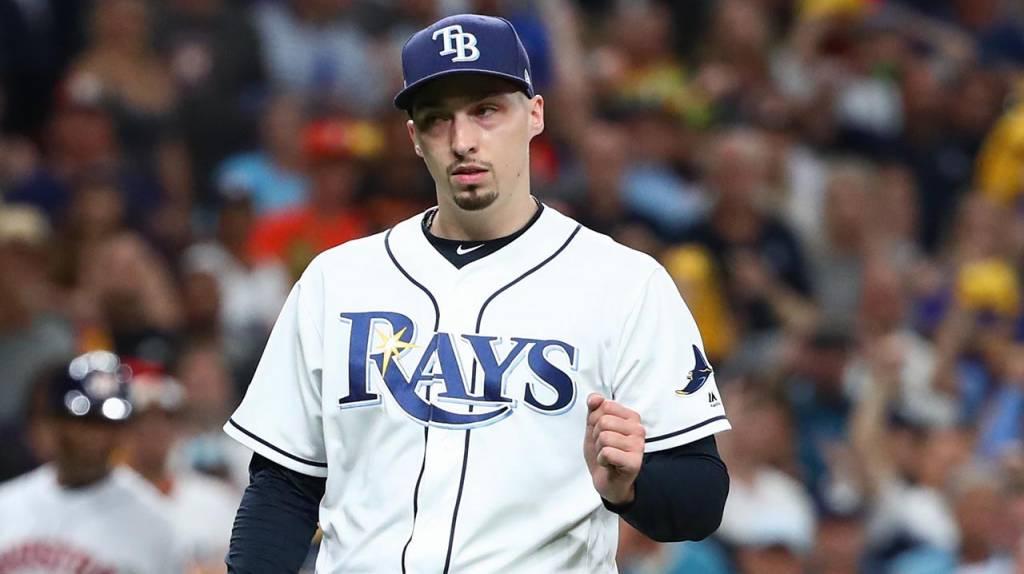 Blake Snell, de Tampa Bay Rays, se rehusa a jugar la temporada por un salario reducido