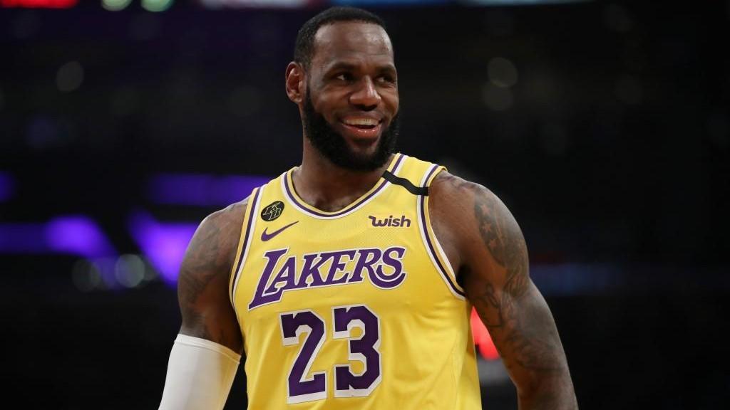 """Magic: """"LeBron James es probablemente el mejor de todos los tiempos"""""""