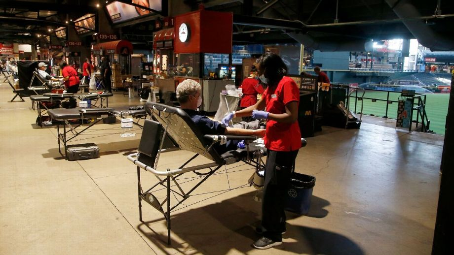 Menos de 1% de personal de MLB dio positivo por anticuerpos