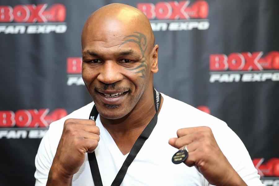 Lluvia de ofertas a Mike Tyson tras video manopleando que se hizo viral
