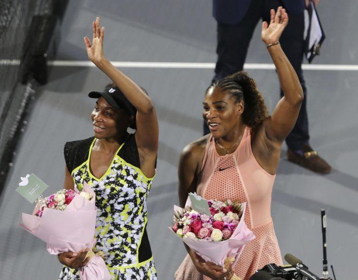 Serena y Venus Williams ofrecen clase de yoga por Instagram