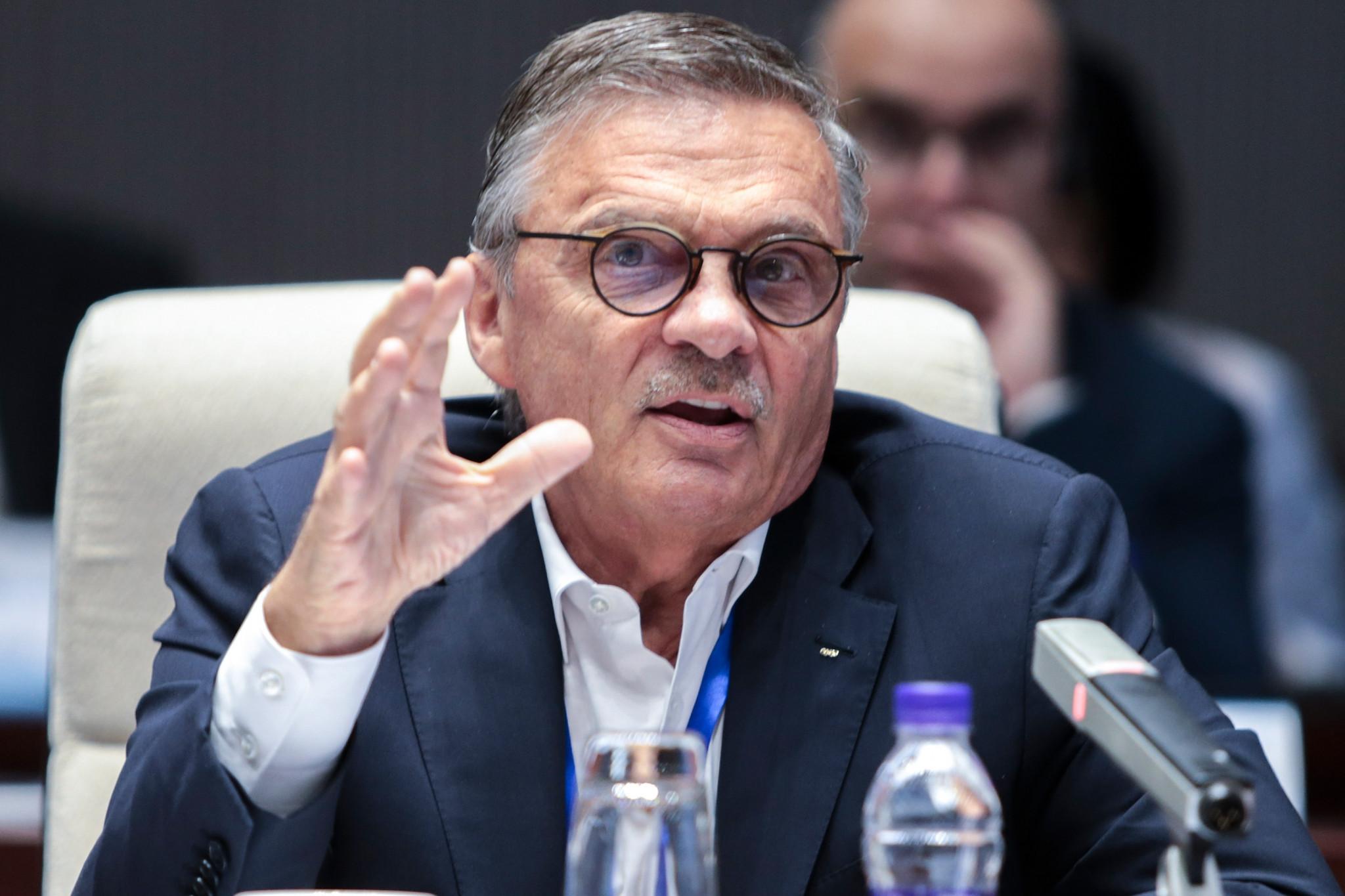Presidente de IIHF arroja dudas sobre celebración de Campeonato Mundial 2021
