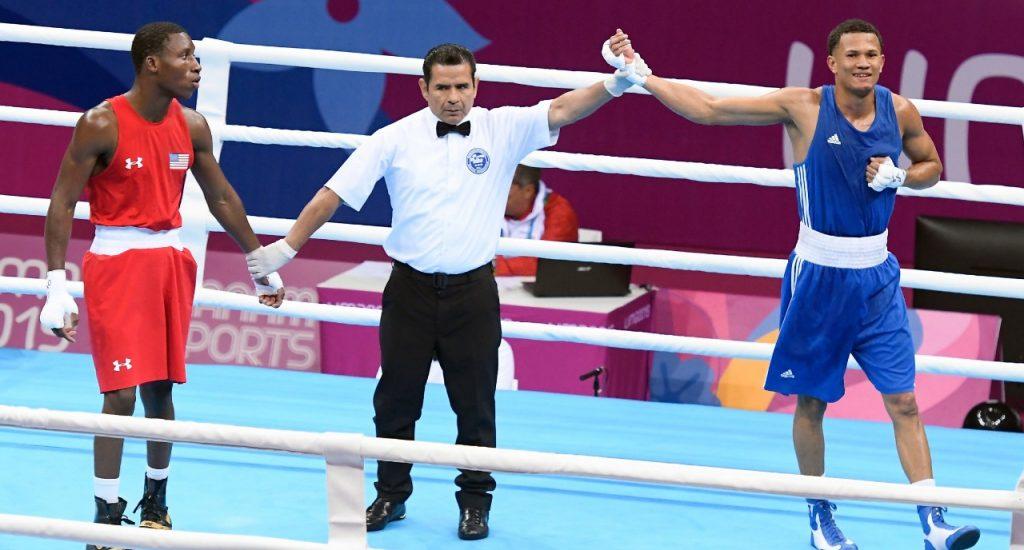 Leonel De Los Santos pasa al profesionalismo; peleará en Tokio 2021