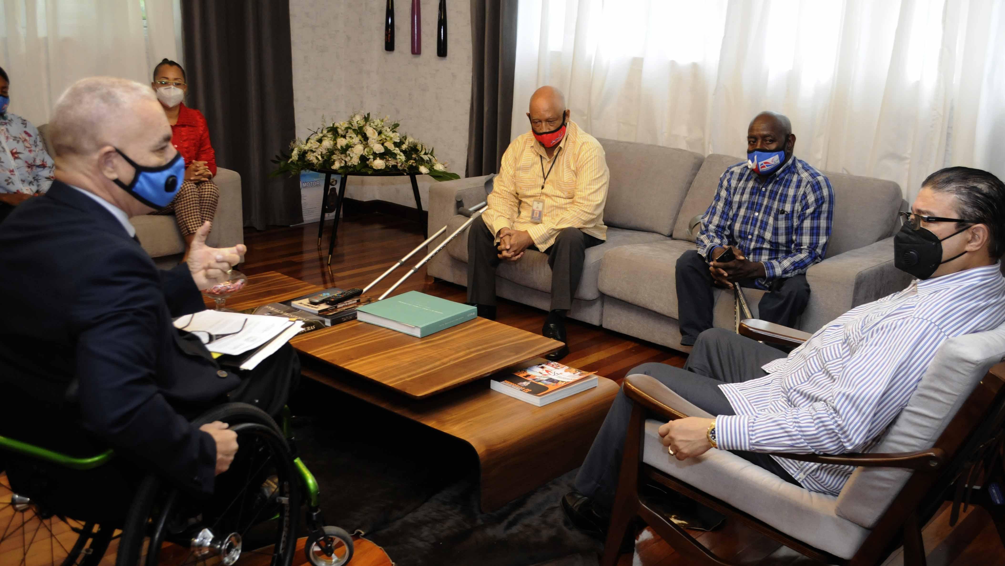Ministro de Deportes asegura respaldo a los atletas paralímpicos