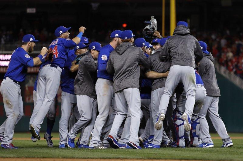 Cubs ganan División Central; Adames clave en victoria de Tampa