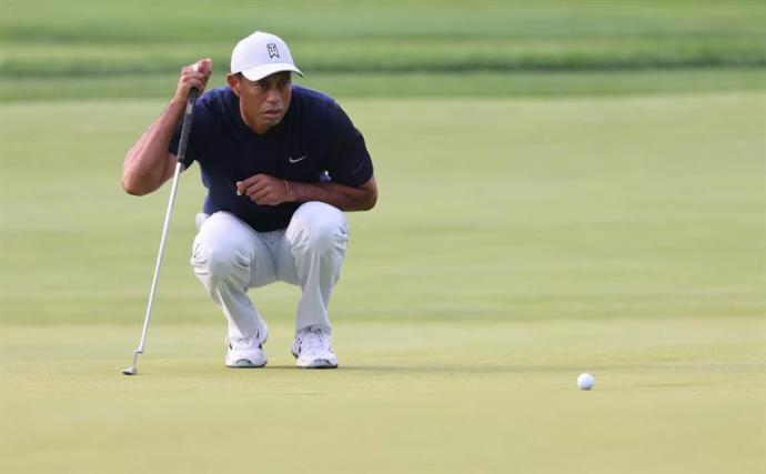Tiger Woods comienza de forma extraña en torneo Open US