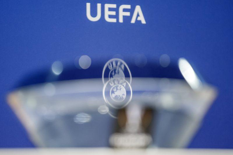UEFA traslada sorteos de Champions y Liga Europa de Atenas a Nyon
