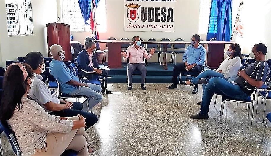 UDESA recibe director desarrollo deportivo región norte Juan Vila
