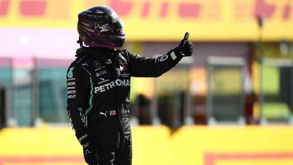 Hamilton gana la pole para el GP de Toscana