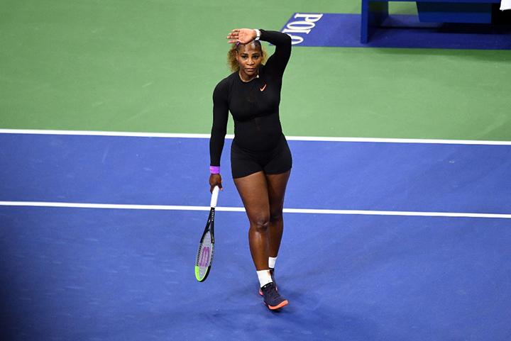 Serena Williams clasifica a octavos de final y se enfrentará a Sakkari