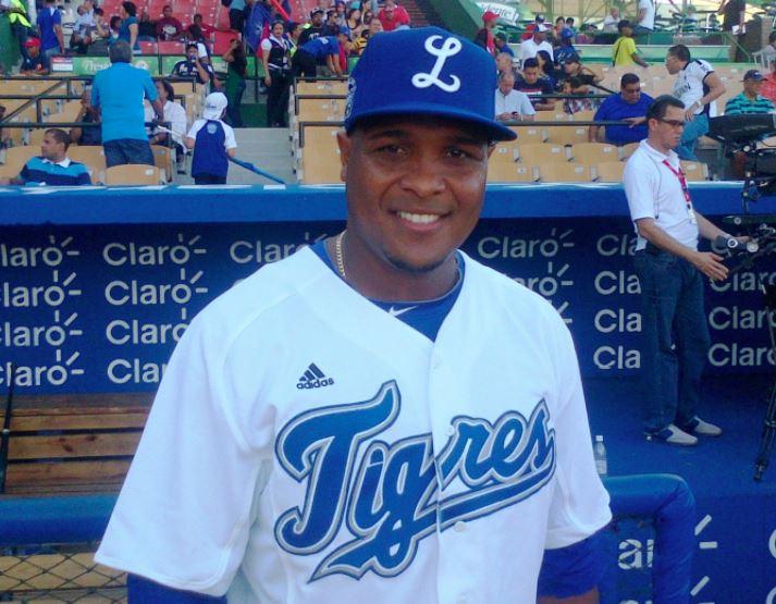 Anderson Hernández dispuesto a firmar contrato de un día con Licey