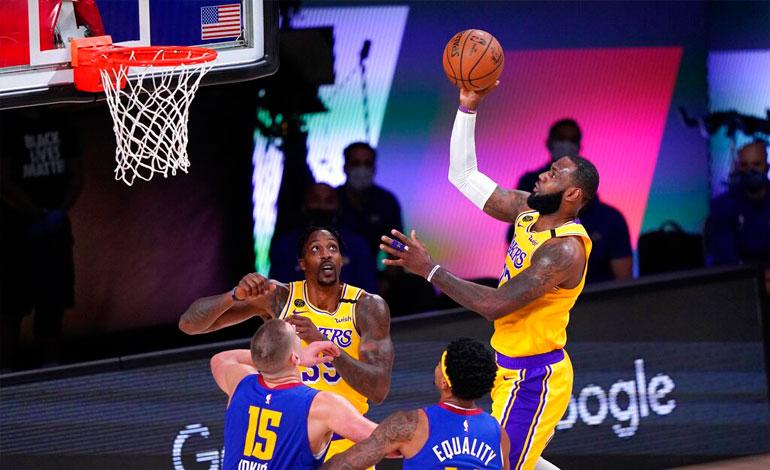Lakers ganan tercero de la serie y ponen a Nuggets contra la pared