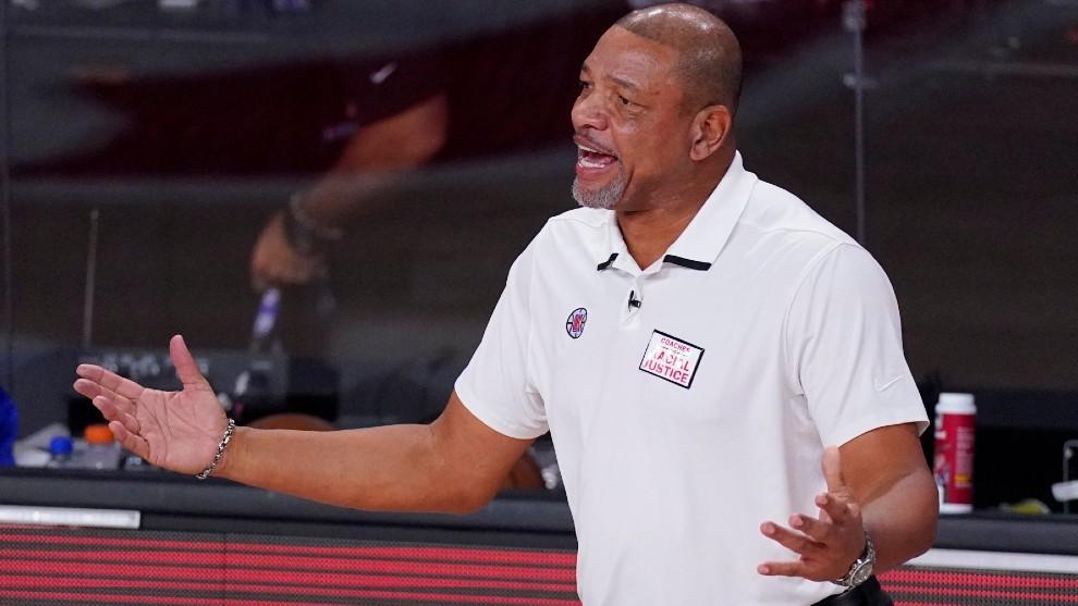 Los Clippers anuncian Rivers seguirá como dirigente