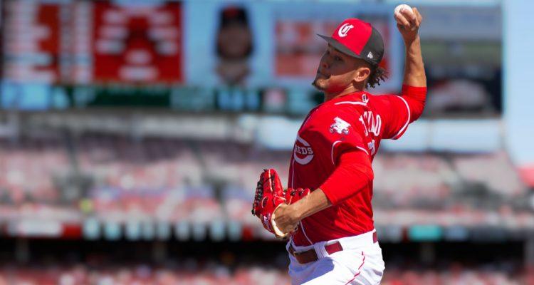 Luis Castillo lanza joya; Dodgers avanza a playoffs; García da jonrón