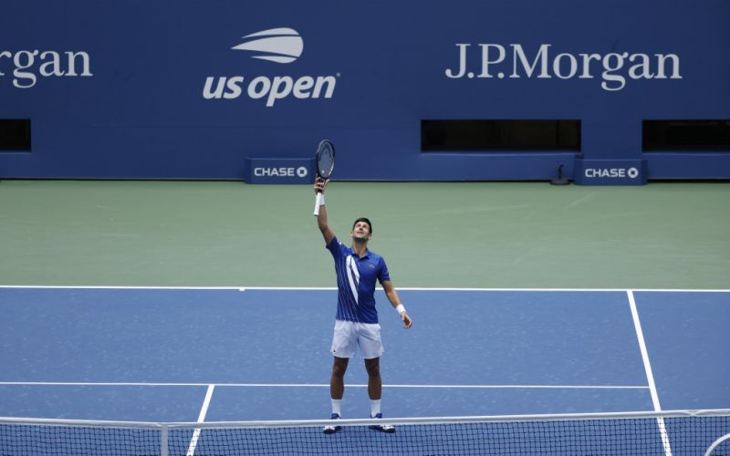Djokovic cede su primer set ante Edmund, pero pasa a tercera ronda