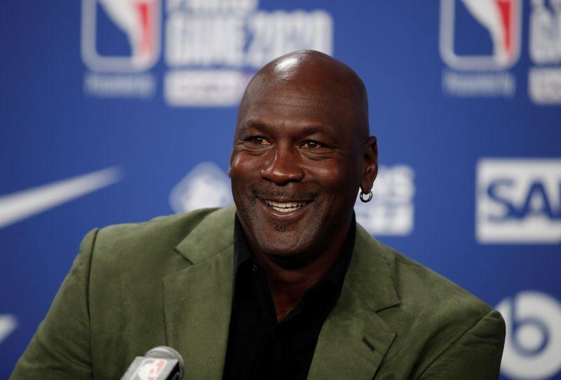 Michael Jordan compra participación en sitio de apuestas DraftKings