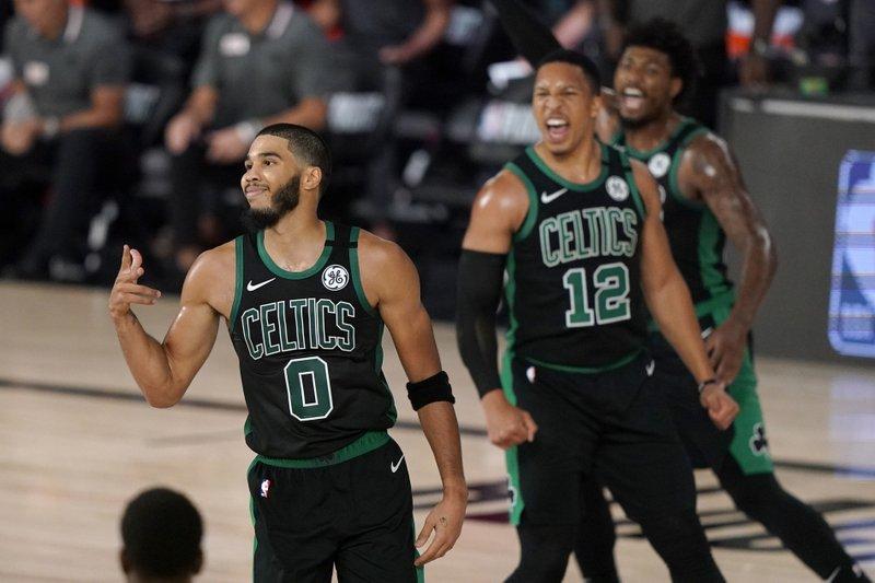 Tatum y Smart dan triunfo a Celtics sobre Raptors; Denver avanza