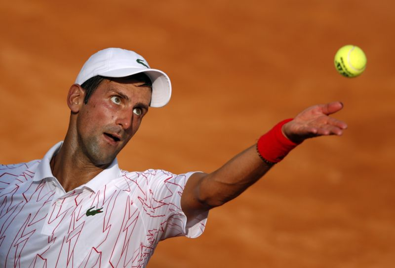 Djokovic gana el derbi serbio ante Krajinovic y avanza a cuartos