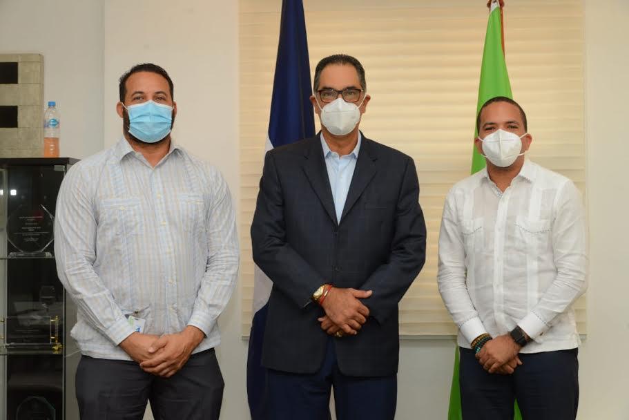 Fenapepro y SeNaSa pactan acuerdo para seguro de salud