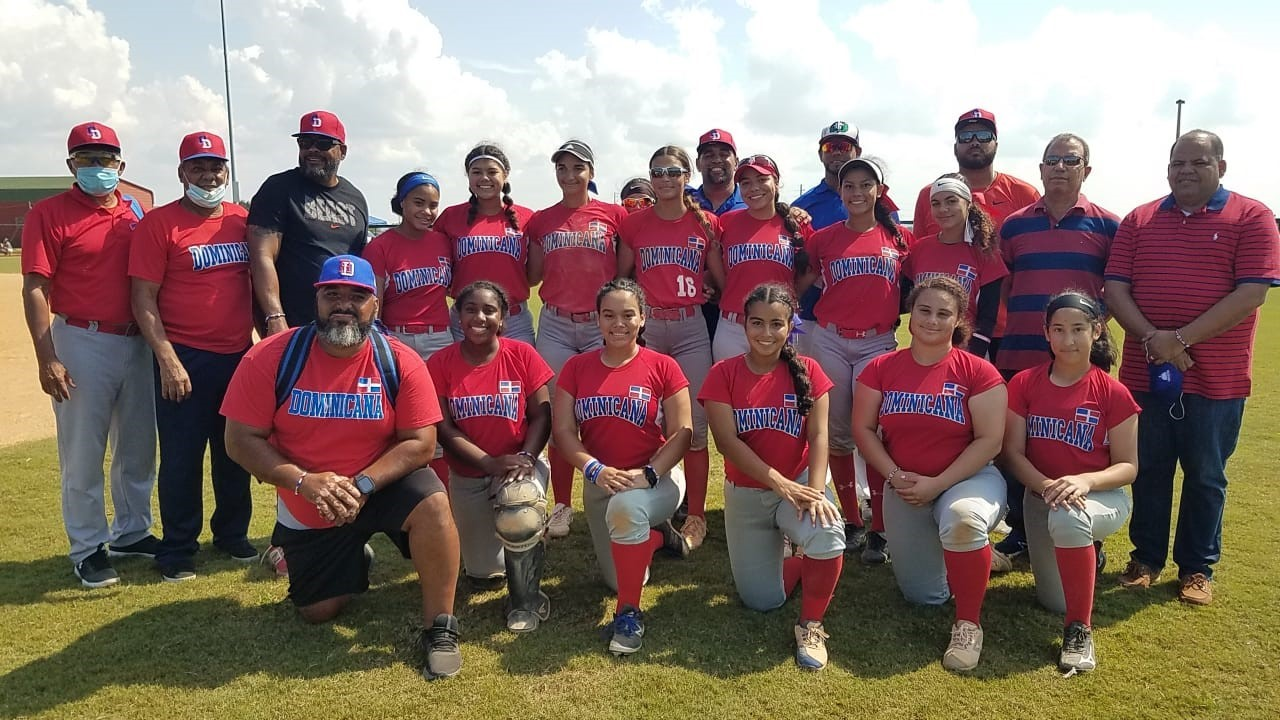Equipo softbol femenino sub-18 ocupa sexto lugar en torneo USA