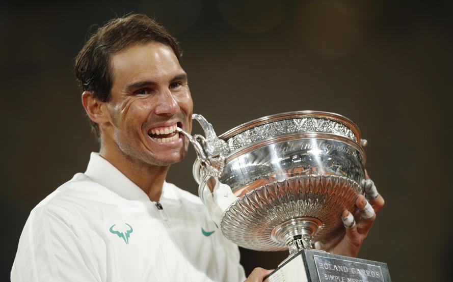 Nadal logra ante Djokovic su 13 Roland Garros y alcanza los 20 grandes