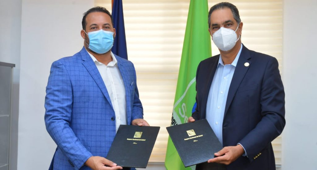 SeNaSa firma acuerdo con Federación de Peloteros para afiliar jugadores al Subsidiado