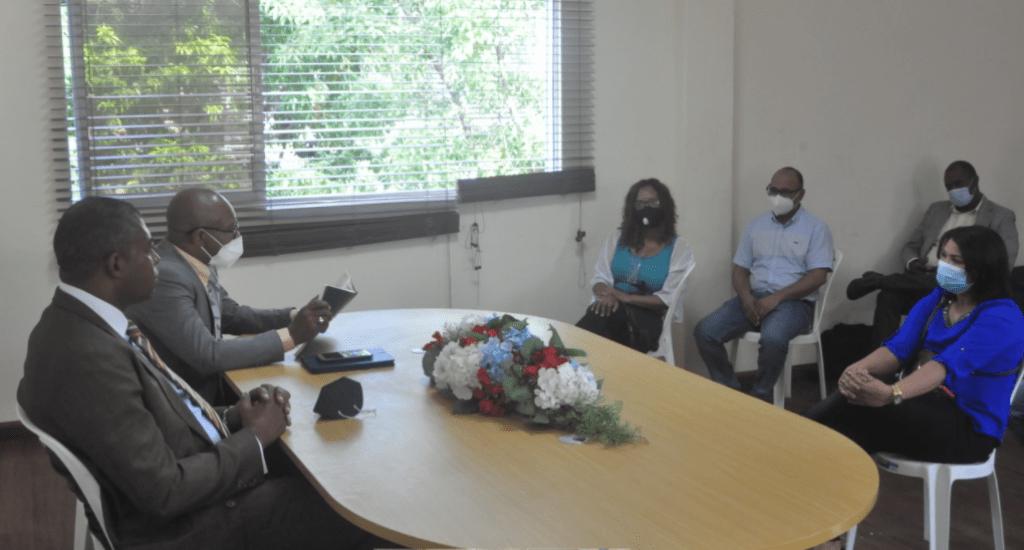 Director del Inefi coordina con técnicos de Educación Física