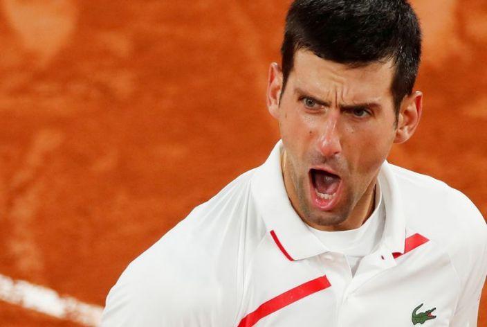 Djokovic se retira del Masters París, alega no puede sumar puntos