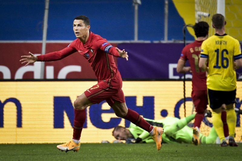 Cristiano se reintegra a Juve tras recuperarse de COVID-19