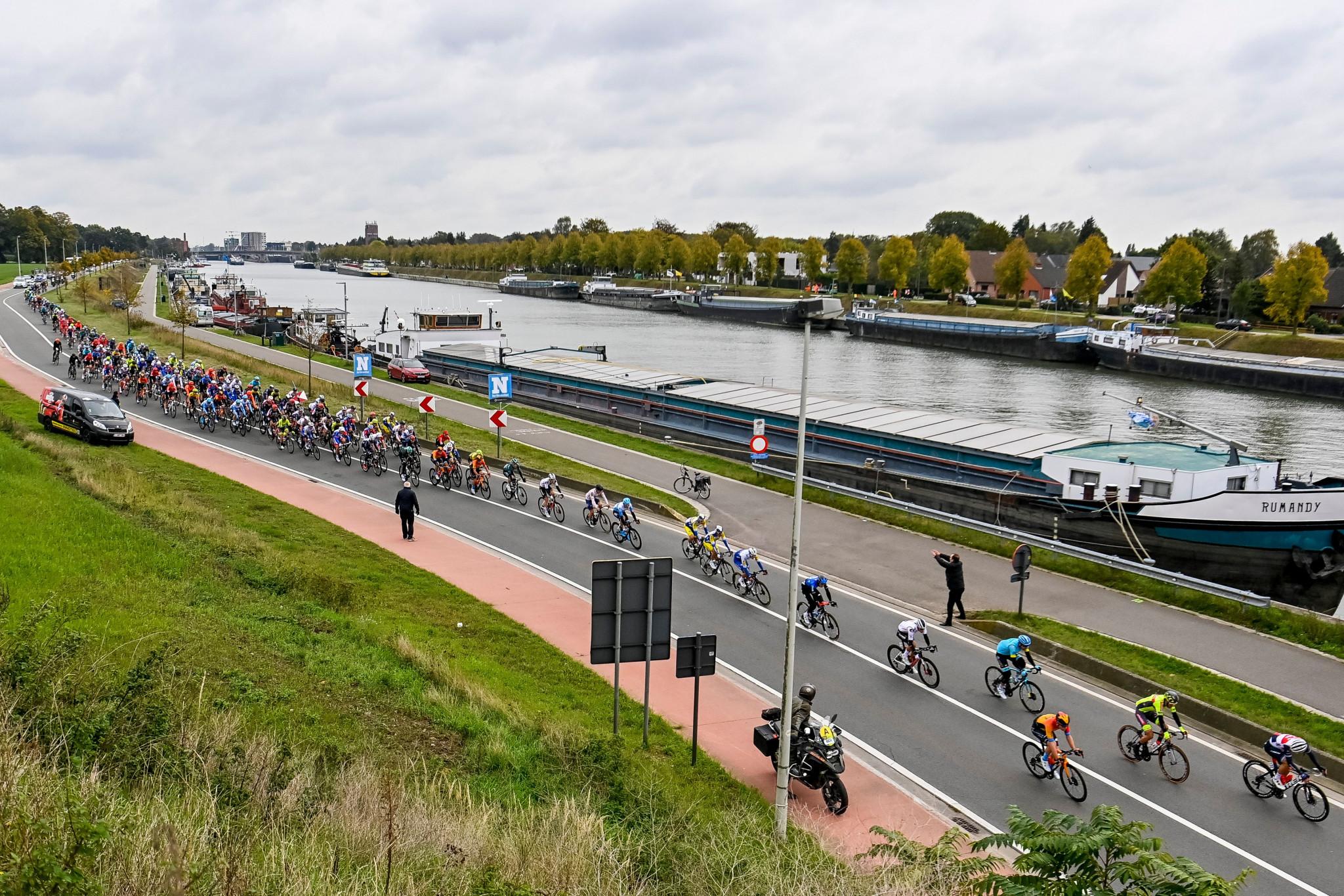 Junta de la Fundación Antidopaje de Ciclismo Completo renuncia antes del cambio del deporte