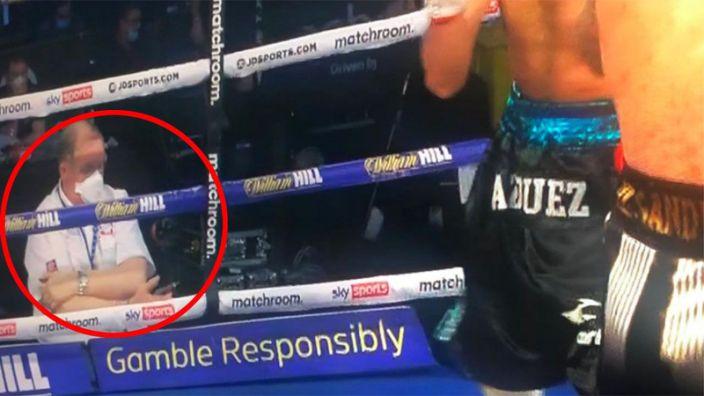 Pillan a un árbitro de boxeo en situación sospechosa durante pelea