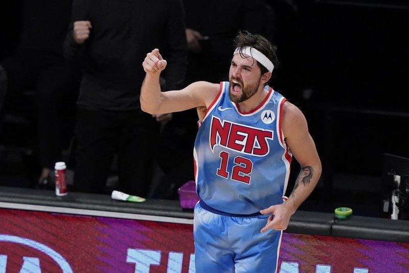 Nets derrotan a los Sixers; Cavs en triunfan sobre Grizzlies; Lakers caen ante Spurs