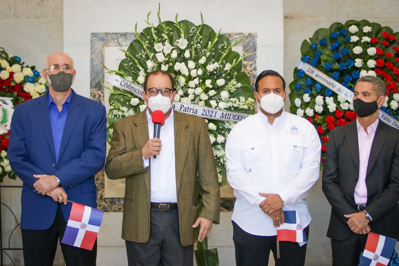 El Ministerio de Deportes honra al patricio Juan Pablo Duarte